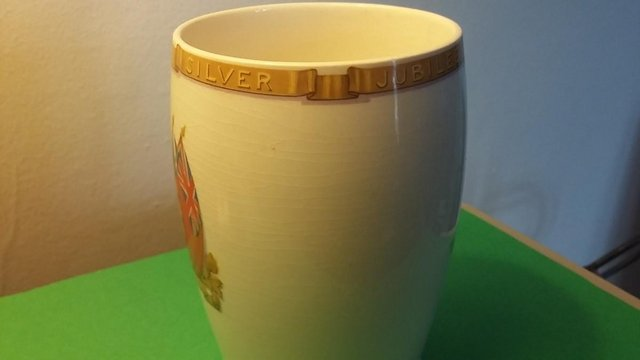 Image 4 of Vintage Silver Jubilee 1935 King George V & Queen Mary Mug