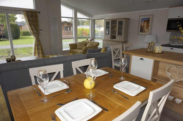 Image 3 of Willerby Mulberry Lodge 42ft x 20ft – 2 Bedroom Lodge Holid