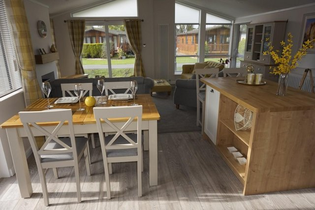 Image 4 of Willerby Mulberry Lodge 42ft x 20ft – 2 Bedroom Lodge Holid