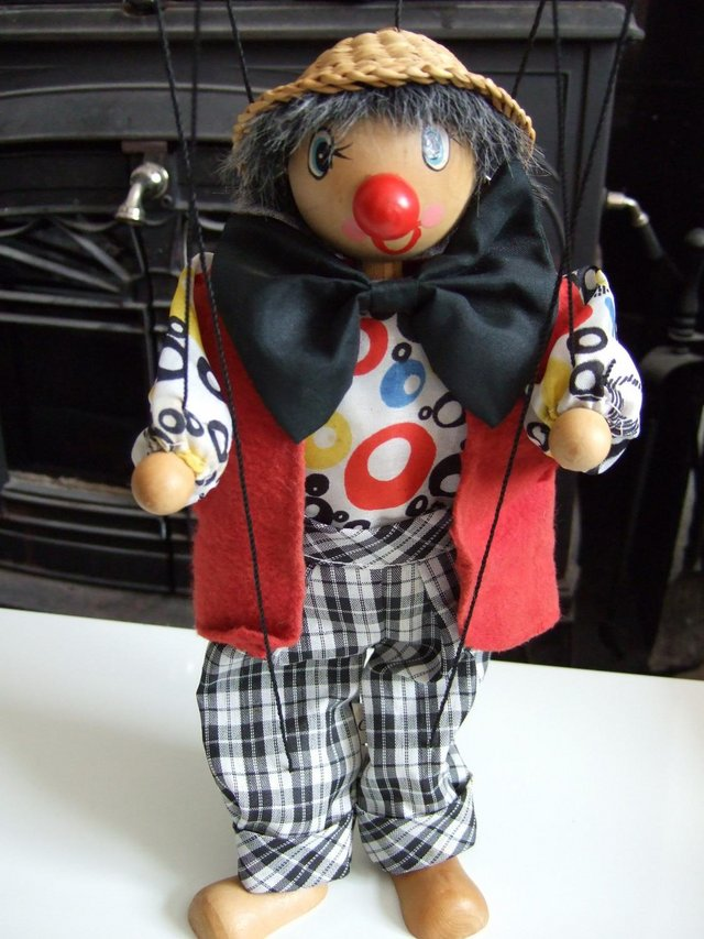 Preview of the first image of Traditional Pull String Puppet Marionett [Brand New].