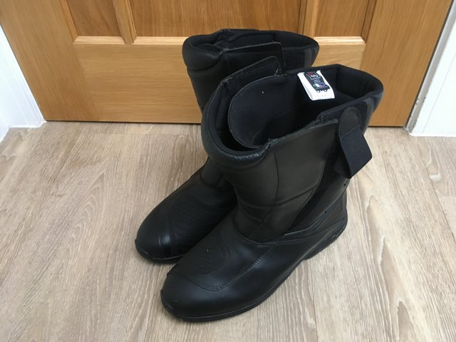 Motorcycle Boots Second Hand Motorcycle Clothing Buy And Sell
