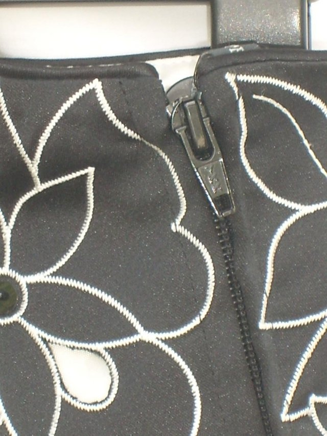 Image 6 of PEARCE FIONDA Strapless Black Bustier Top–Size 16