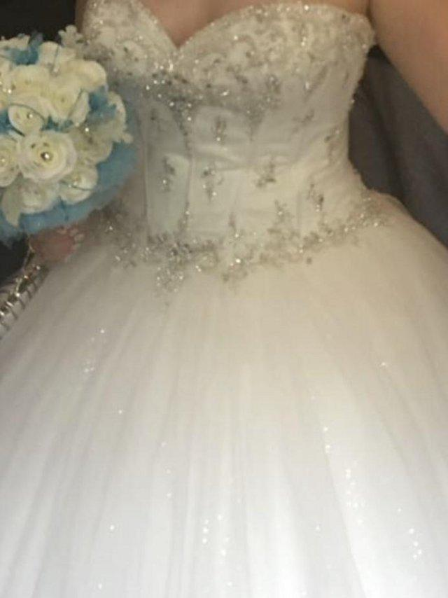66f9756fb1b5 shops who buy second hand wedding dresses - Second Hand Wedding ...