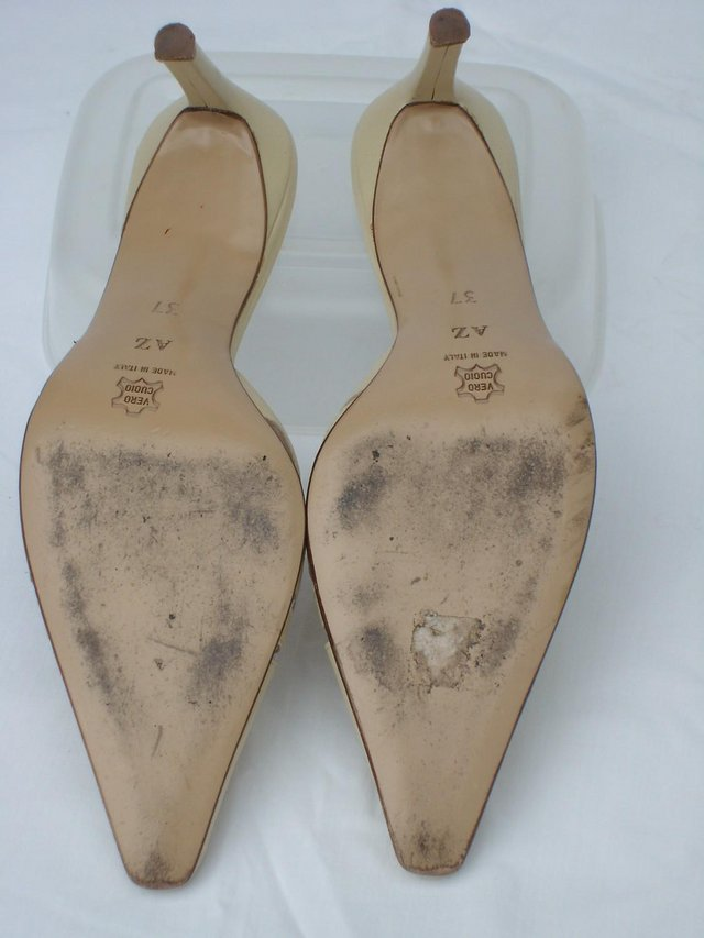 Image 5 of D & V Italian Cream Leather Mule Shoes – Size 4/37