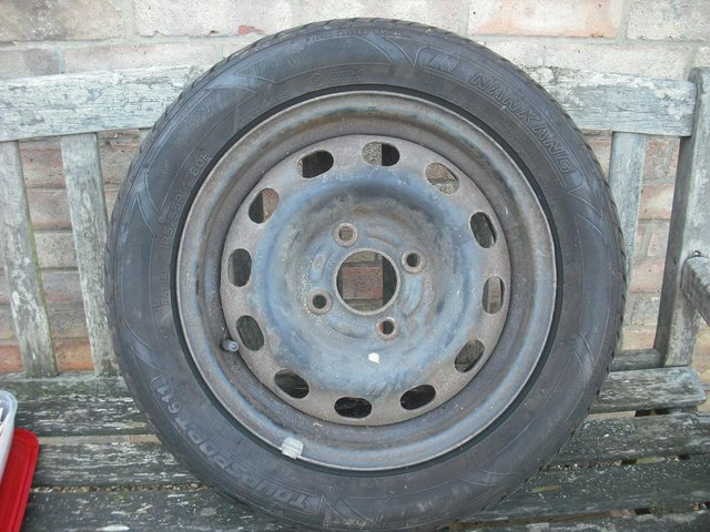Image 3 of Ford Mondeo wheel and tyre 185/55/r14