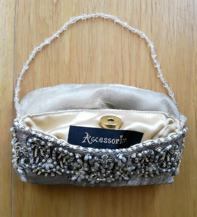 Preview of the first image of ACCESSORISE DESIGNER BAG PURSE Gold Diamante Vintage Style.