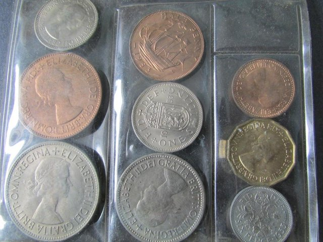 Preview of the first image of 1953 ELIZABETH II PLASTIC COIN SET..