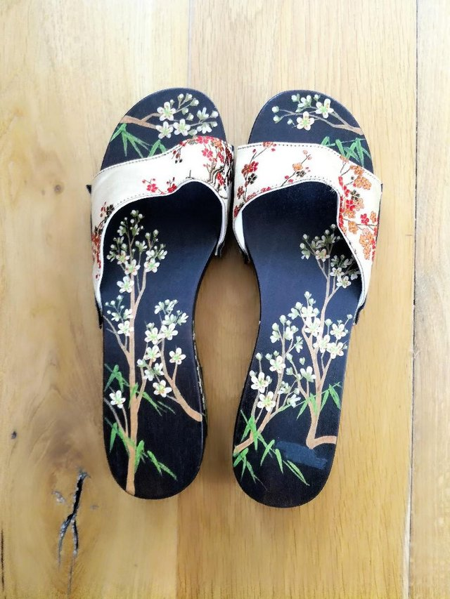 Image 3 of CHINESE JAPANESE hand Painted Oriental Sandal Flip Flop Wood