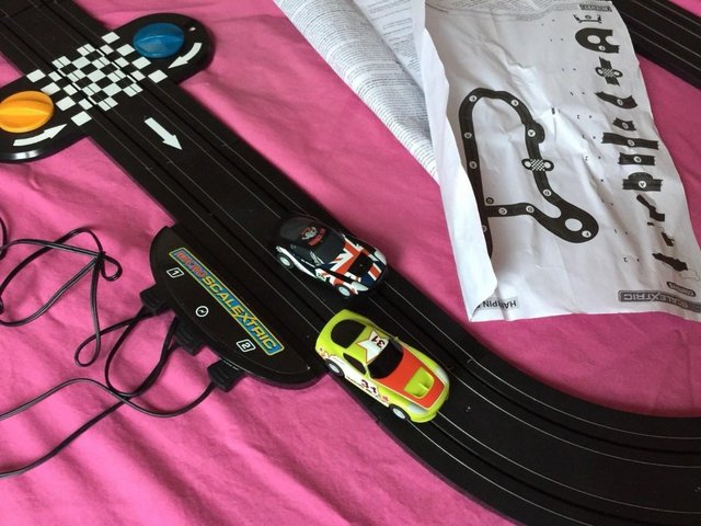 Image 5 of Pro Driver Micro Scalextric Set G1105 American Style Muscle