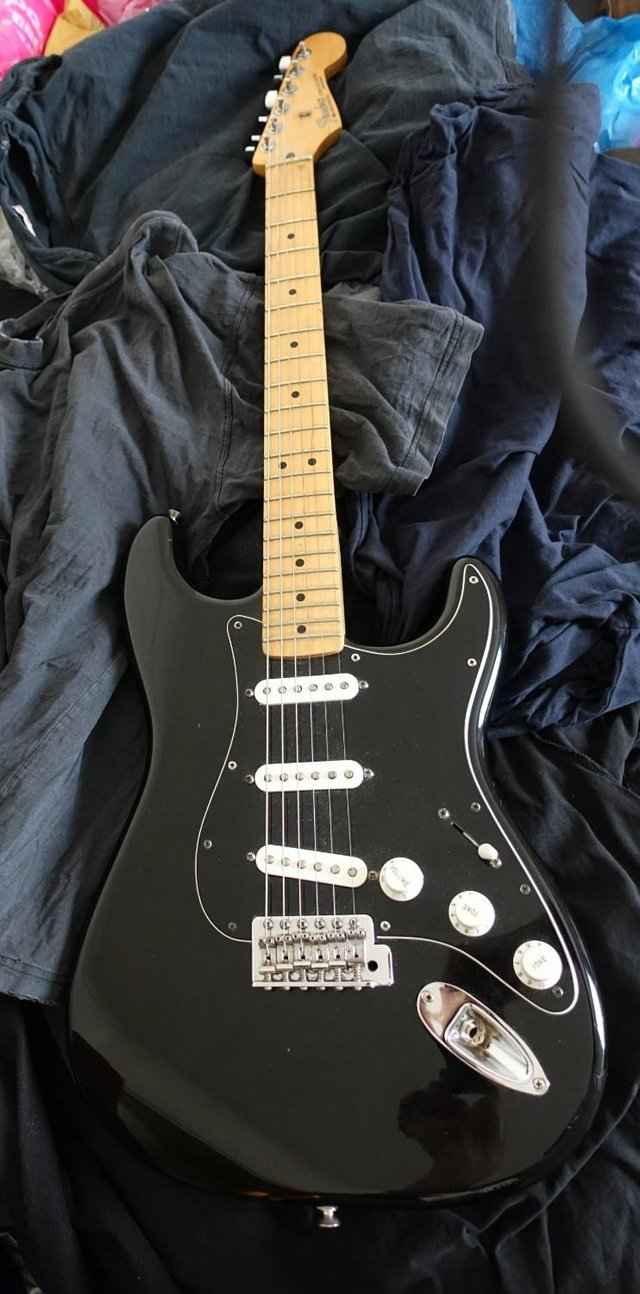 fender stratocaster - Second Hand Electric Guitars, Buy and