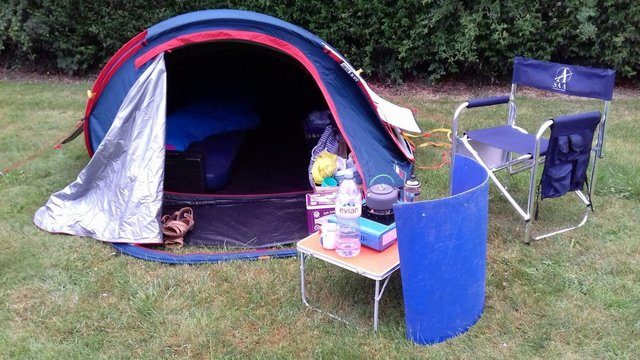 Preview of the first image of 2 Man Pop up Tent 2 Seconds 2 XL Fresh&Black.