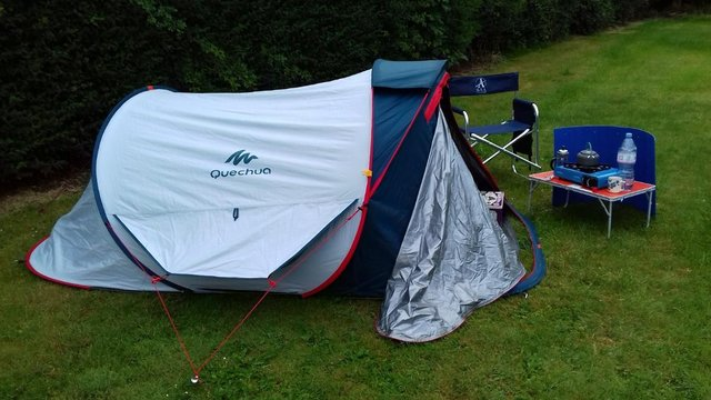 Image 2 of 2 Man Pop up Tent 2 Seconds 2 XL Fresh&Black