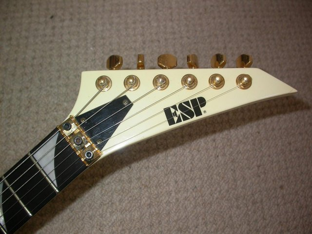 Image 3 of ESP CUSTOM SHOP RR FLYING V NECK THRU FLOYD ROSE HARD CASE