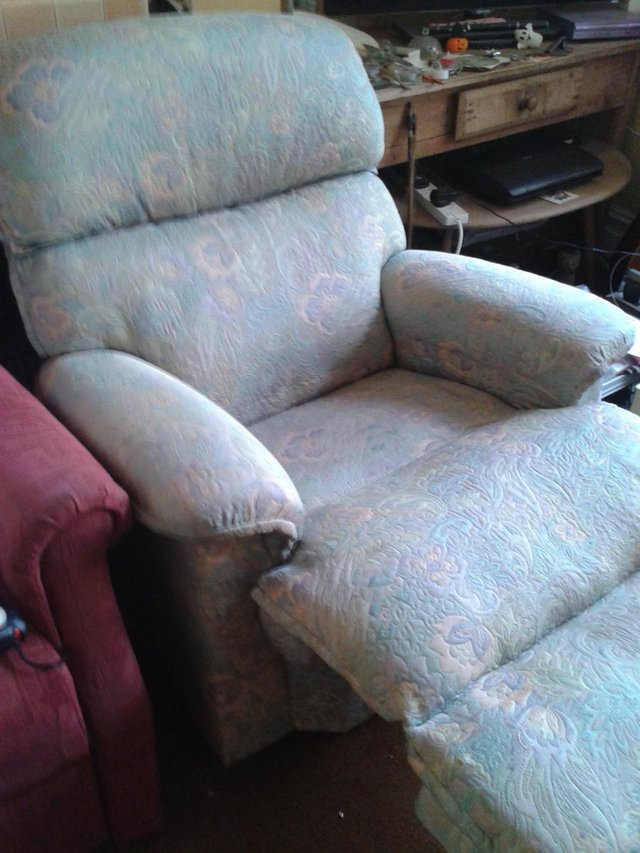 Image 5 of Recliner/Riser Armchairs,