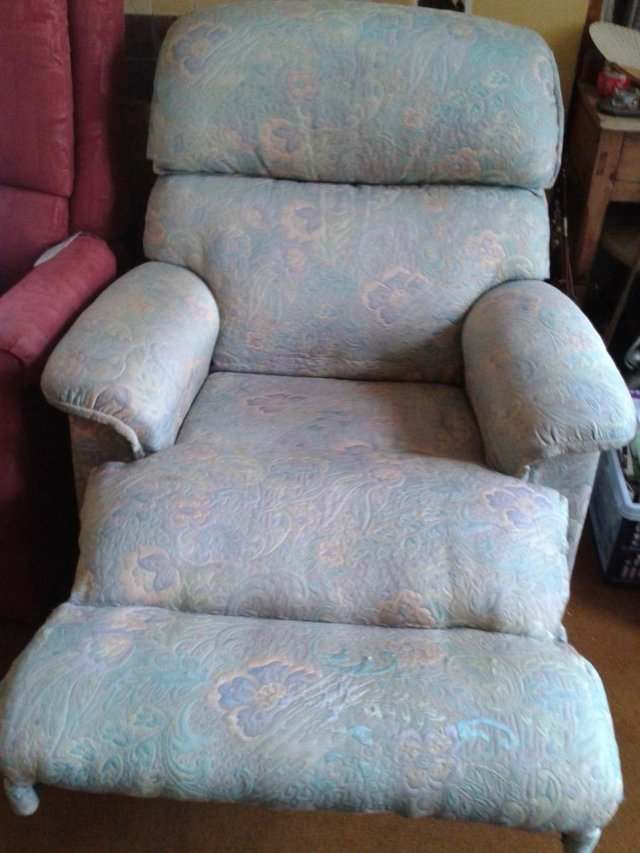 Image 7 of Recliner/Riser Armchairs,