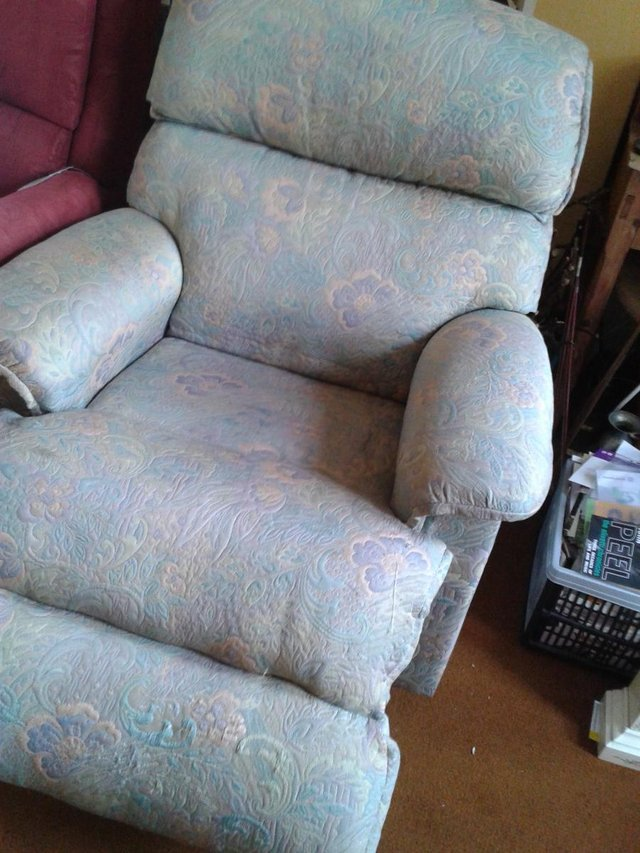 Image 8 of Recliner/Riser Armchairs,