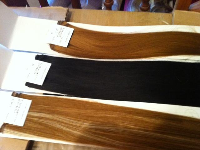 Preview of the first image of Synthetic hair extensions.
