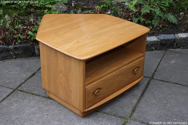 Image 3 of AN ERCOL WINDSOR LIGHT ELM CORNER TV CABINET DVD TABLE STAND