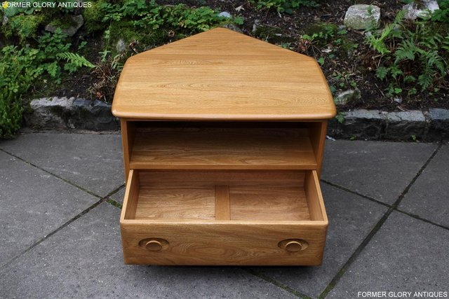 Image 4 of AN ERCOL WINDSOR LIGHT ELM CORNER TV CABINET DVD TABLE STAND