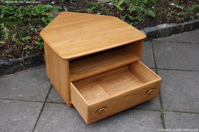 Image 21 of AN ERCOL WINDSOR LIGHT ELM CORNER TV CABINET DVD TABLE STAND