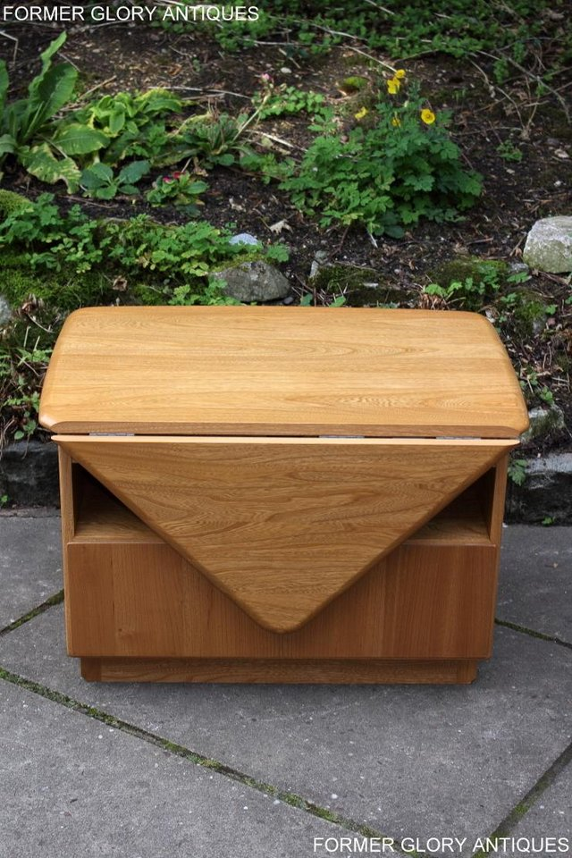 Image 30 of AN ERCOL WINDSOR LIGHT ELM CORNER TV CABINET DVD TABLE STAND