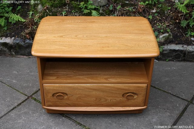 Image 35 of AN ERCOL WINDSOR LIGHT ELM CORNER TV CABINET DVD TABLE STAND