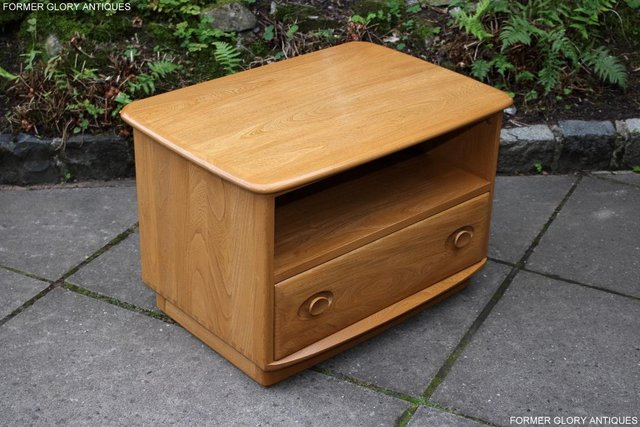 Image 37 of AN ERCOL WINDSOR LIGHT ELM CORNER TV CABINET DVD TABLE STAND