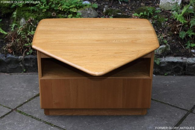 Image 41 of AN ERCOL WINDSOR LIGHT ELM CORNER TV CABINET DVD TABLE STAND