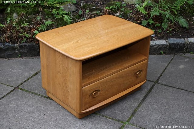 Image 43 of AN ERCOL WINDSOR LIGHT ELM CORNER TV CABINET DVD TABLE STAND