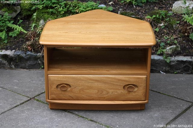 Image 52 of AN ERCOL WINDSOR LIGHT ELM CORNER TV CABINET DVD TABLE STAND