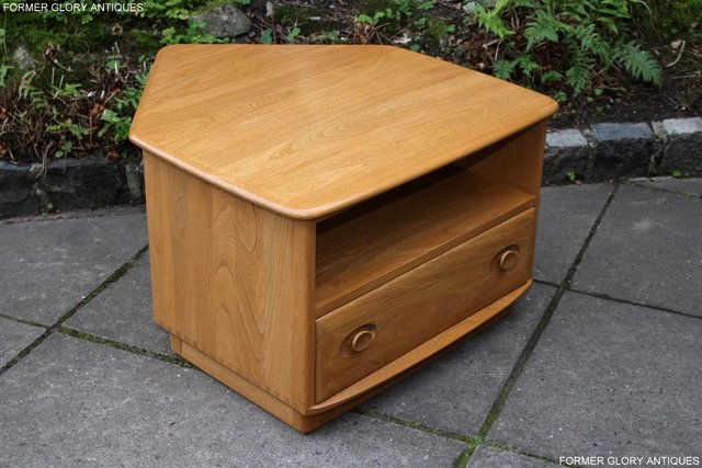 Image 53 of AN ERCOL WINDSOR LIGHT ELM CORNER TV CABINET DVD TABLE STAND