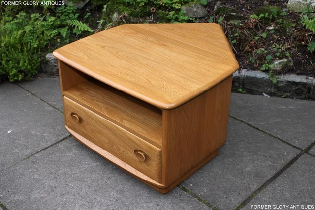 Image 55 of AN ERCOL WINDSOR LIGHT ELM CORNER TV CABINET DVD TABLE STAND