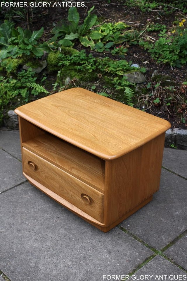Image 57 of AN ERCOL WINDSOR LIGHT ELM CORNER TV CABINET DVD TABLE STAND