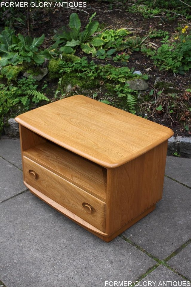 Image 70 of AN ERCOL WINDSOR LIGHT ELM CORNER TV CABINET DVD TABLE STAND