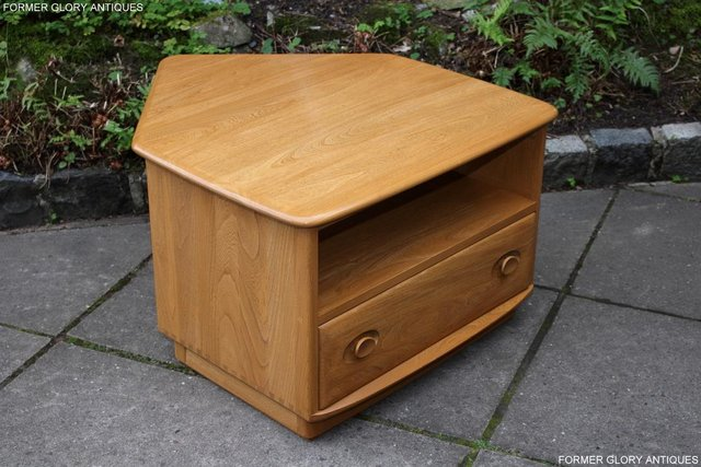 Image 74 of AN ERCOL WINDSOR LIGHT ELM CORNER TV CABINET DVD TABLE STAND