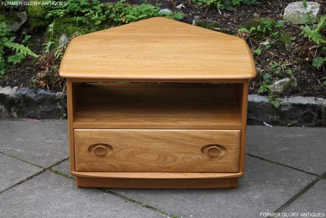 Image 80 of AN ERCOL WINDSOR LIGHT ELM CORNER TV CABINET DVD TABLE STAND