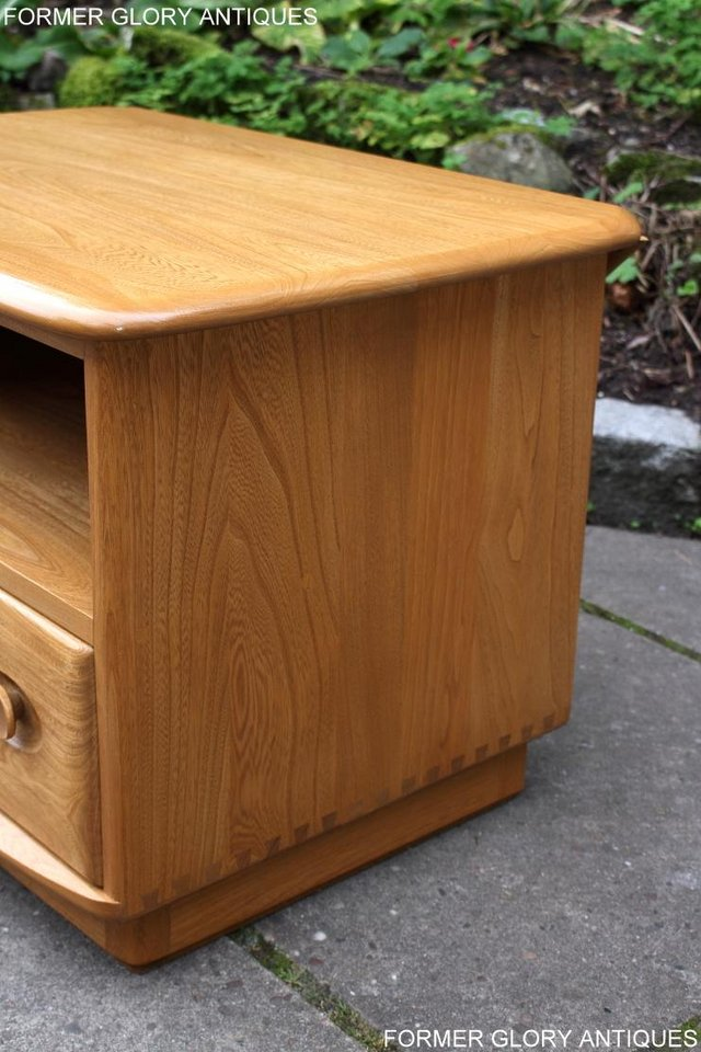 Image 82 of AN ERCOL WINDSOR LIGHT ELM CORNER TV CABINET DVD TABLE STAND
