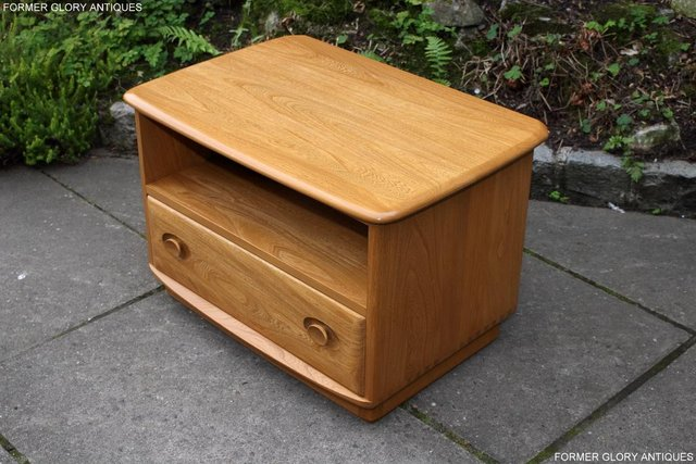 Image 83 of AN ERCOL WINDSOR LIGHT ELM CORNER TV CABINET DVD TABLE STAND