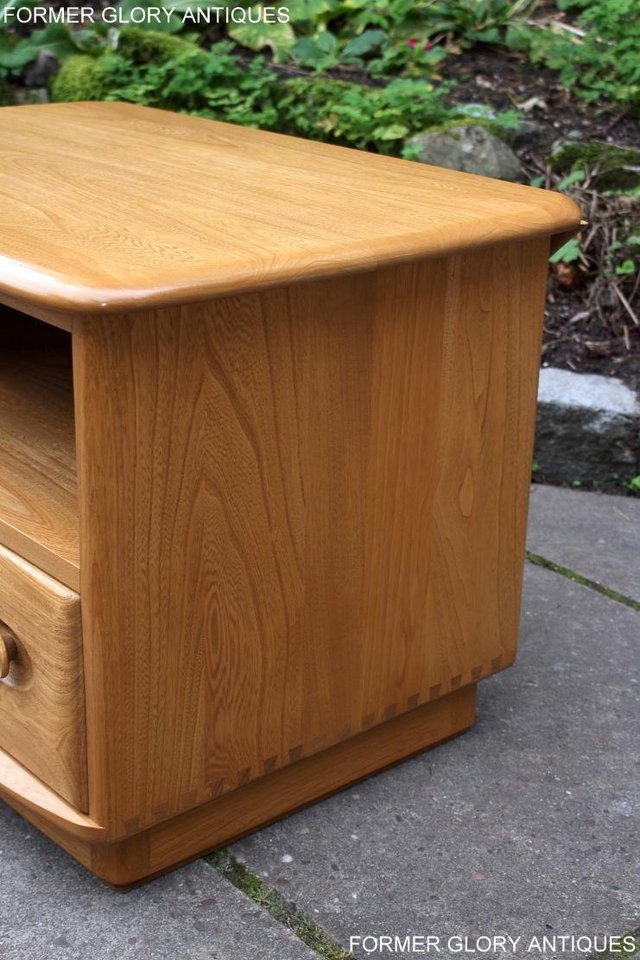 Image 91 of AN ERCOL WINDSOR LIGHT ELM CORNER TV CABINET DVD TABLE STAND