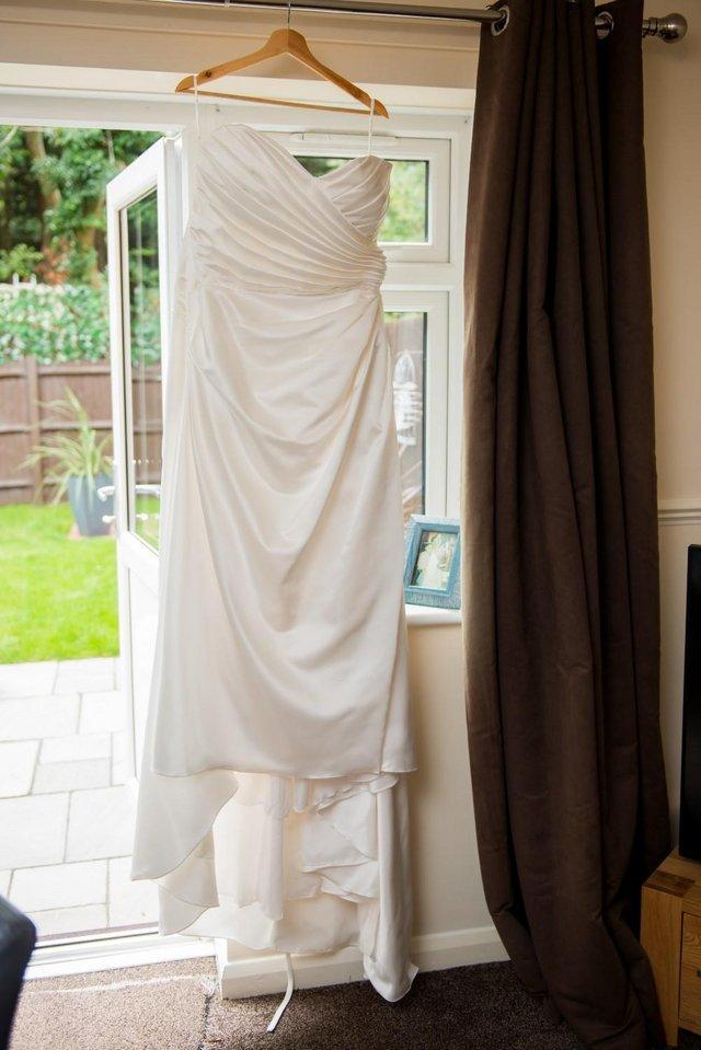 Image 3 of WEDDING DRESS
