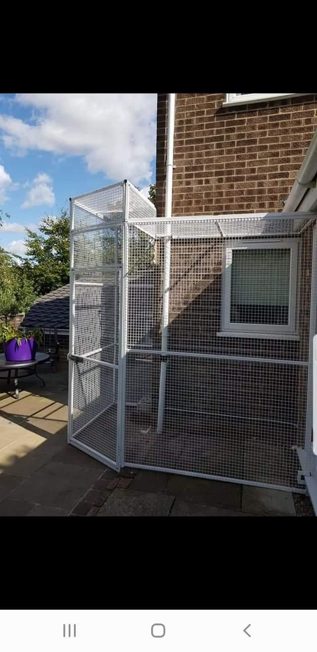 Image 6 of Top quality steel fabricated kennels/catteries/cages/runs