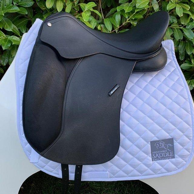 Preview of the first image of Wintec 17 inch Dressage Saddle.