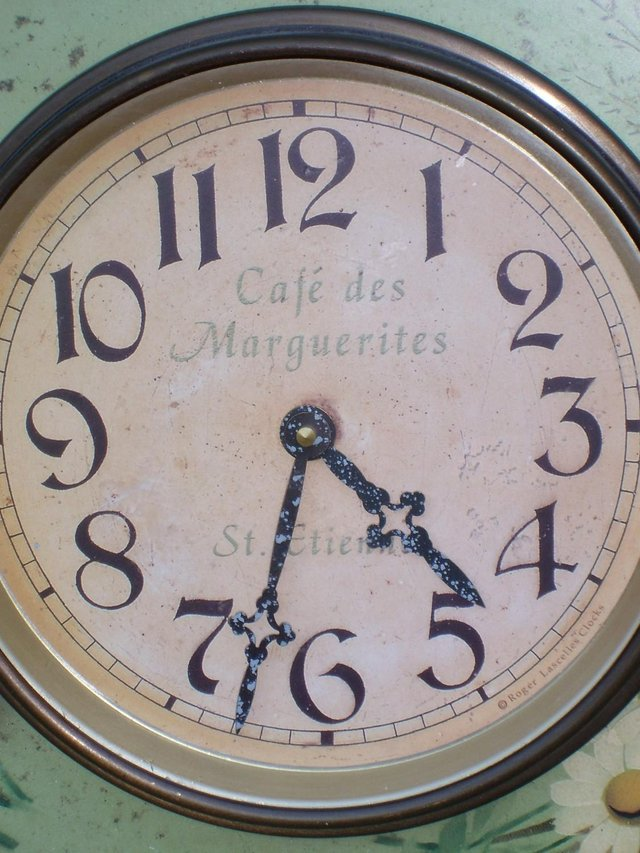 Image 2 of LASCELLES Tin Wall Clock - Daisy Design