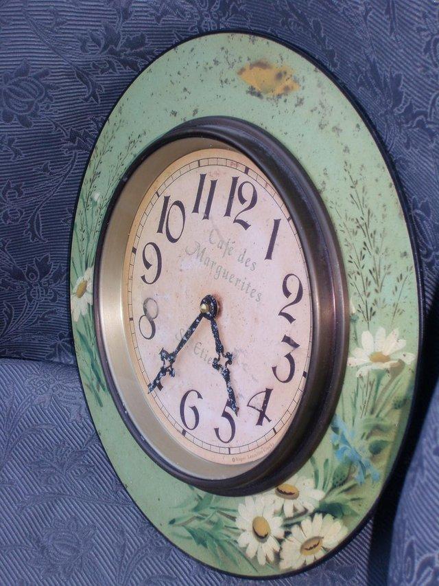 Image 4 of LASCELLES Tin Wall Clock - Daisy Design
