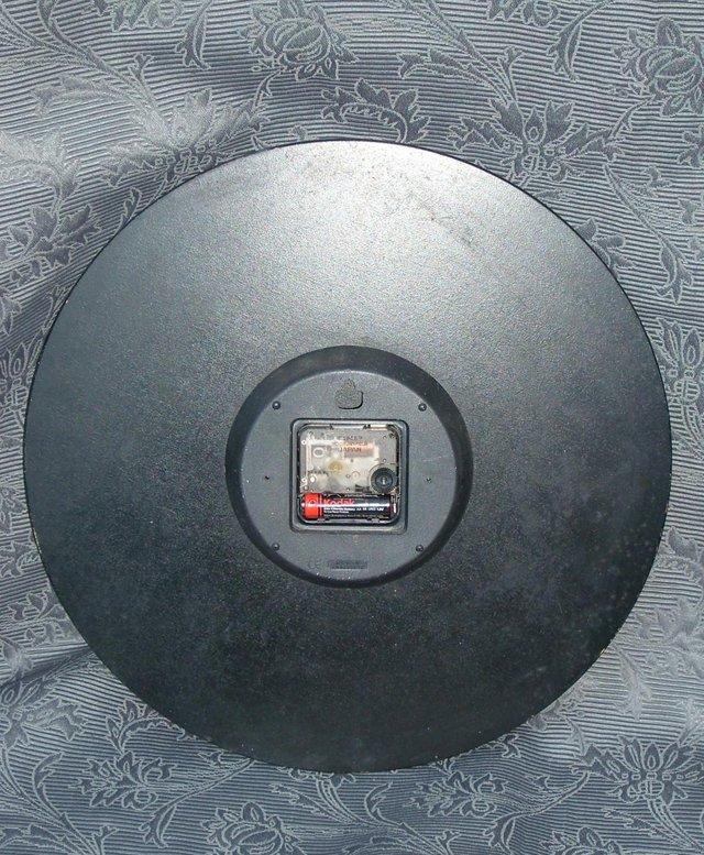 Image 8 of LASCELLES Tin Wall Clock - Daisy Design
