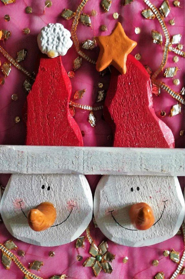 Image 2 of STAR SNOWMAN DECORATION Stocking Coat Hook Wood & Ceramic