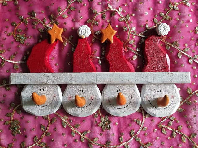 Preview of the first image of STAR SNOWMAN DECORATION Stocking Coat Hook Wood & Ceramic.