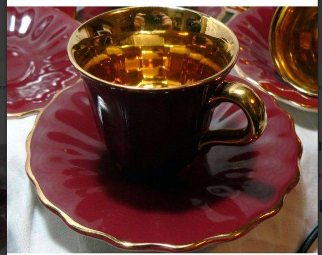 Image 4 of Wade Rouge & Gold Coffee Cups & Saucers - 4 Cups - 6 Saucers