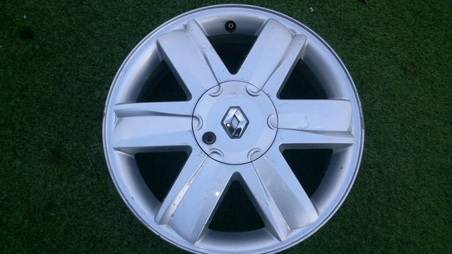 Preview of the first image of 4 renault 16ins alloy wheels..