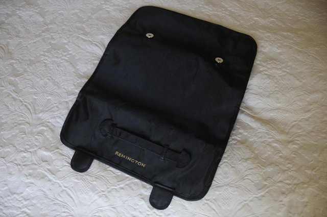 Image 3 of Remington Heat Resistant Safety Mat And Storage Pouches